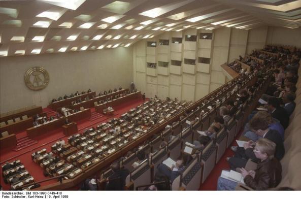 Berlin, Volkskammer während Regierungserklärung von Lothar de Maiziere