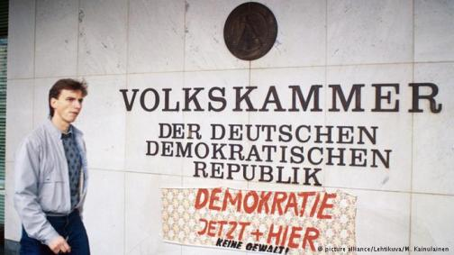 Volkskammer1990