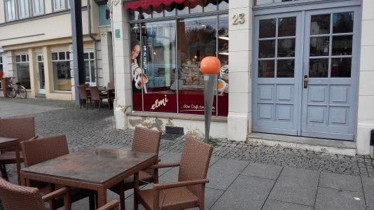2560px-DenkNadel_Erfurt_Domplatz_23